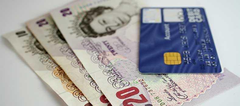 Pagamenti elettronici: in Regno Unito è sorpasso al contante